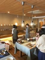 陶芸の作品展示と販売会が開催されてます。